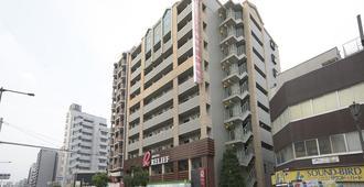难波大国町瑞利弗酒店 - 大阪 - 建筑