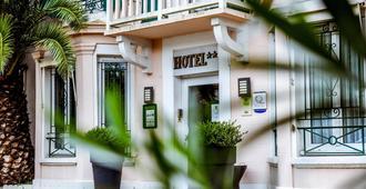 瓦尔弗洛雷斯酒店 - 比亚里茨