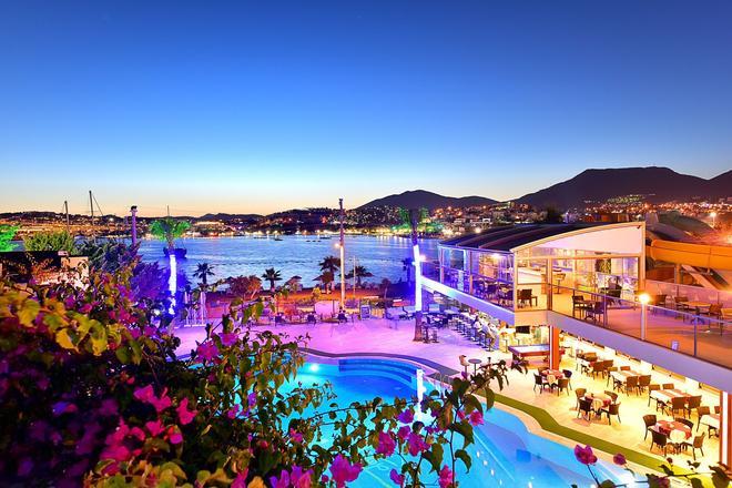 热带海滩酒店 - 博德鲁姆 - 游泳池