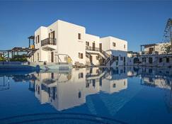 坎特拉托斯海滩酒店 - 纳乌萨 - 建筑