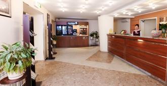 马克西玛斯拉维亚酒店 - 莫斯科 - 柜台