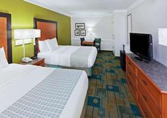 阿马里洛市中心温德姆拉昆塔酒店 - 阿马里洛 - 睡房