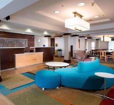 北查尔斯顿/大学区费尔菲尔德套房酒店