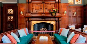 德维尔大学阿姆斯酒店 - 剑桥 - 客厅