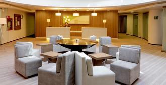 墨西哥美迪加苏尔智选假日套房酒店 - 墨西哥城 - 大厅
