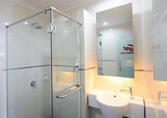 Tune酒店 - 古晋水滨区 - 古晋 - 浴室