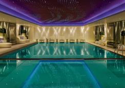 香港美丽华酒店 - 香港 - 游泳池
