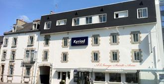 凯里亚德瓦纳中心维勒酒店 - 瓦纳 - 建筑