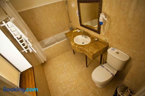 皇家奥林匹克酒店 - 基辅 - 浴室