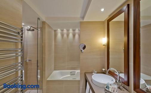 里新时髦酒店 - 圣马洛 - 浴室