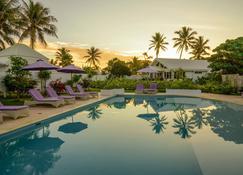 塔玛姆海滩酒店 - 维拉港 - 游泳池