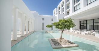 巴迪拉成人酒店 - 哈马迈特 - 游泳池