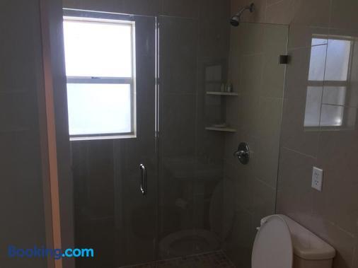 海滨鹈鹕酒店 - 帕诺滩 - 浴室