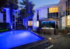 帕威林酒店 - 基督城 - 游泳池