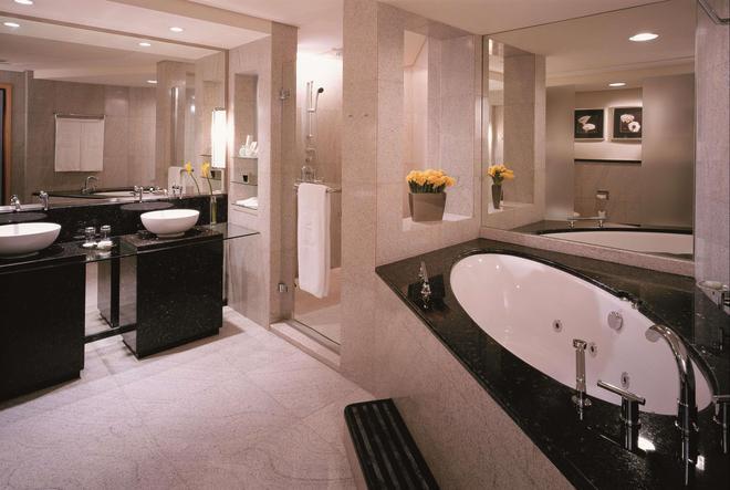 迪拜香格里拉大酒店 - 迪拜 - 浴室