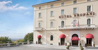 斯纳布鲁法尼酒店 - 佩鲁贾 - 建筑