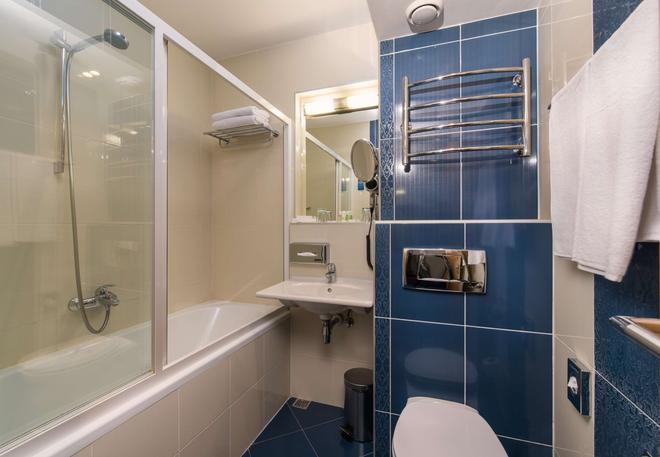 总统大酒店 - 基辅 - 浴室