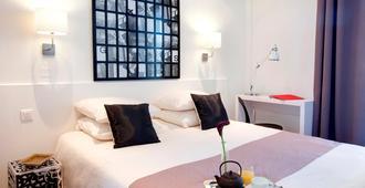 科莱特酒店 - 戛纳 - 睡房