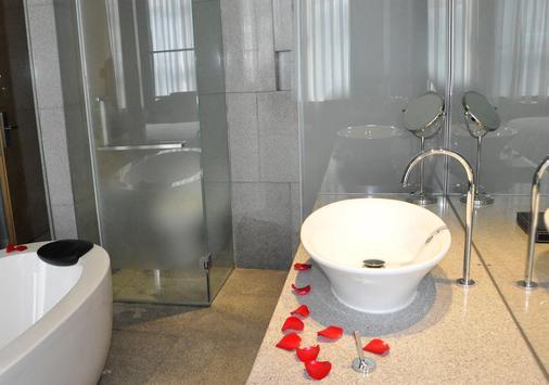广州卡丽皇家金煦酒店 - 广州 - 浴室
