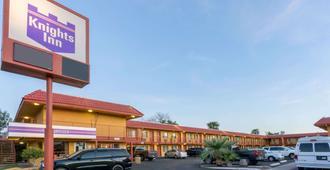 梅薩山騎士飯店 - 梅萨 - 建筑