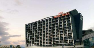 萨拉热窝山会议及温泉Spa酒店 - 萨拉热窝 - 建筑
