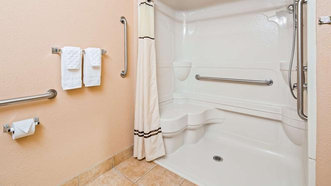 西佳梅里维尔套房旅馆 - 梅里尔维尔 - 浴室