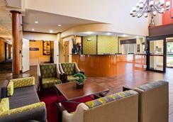 西佳梅里维尔套房旅馆 - 梅里尔维尔 - 大厅