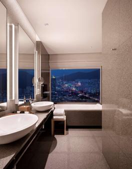 釜山柏悦酒店 - 釜山 - 浴室