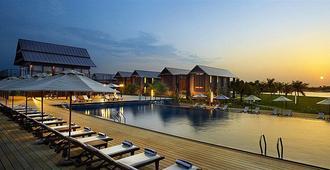 鲁容码头及度假酒店 - 瓜拉丁加奴