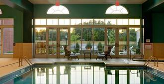 萨拉托加赌场酒店 - 萨拉托加斯普林斯 - 游泳池