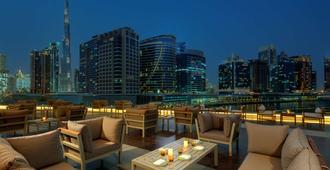 迪拜海滨丽笙酒店 - 迪拜 - 阳台