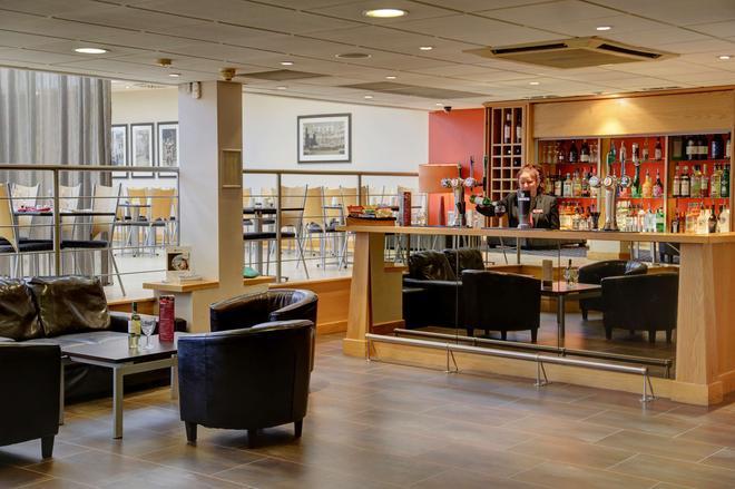 诺丁汉市中心贝斯特韦斯特Plus酒店 - 诺丁汉 - 酒吧