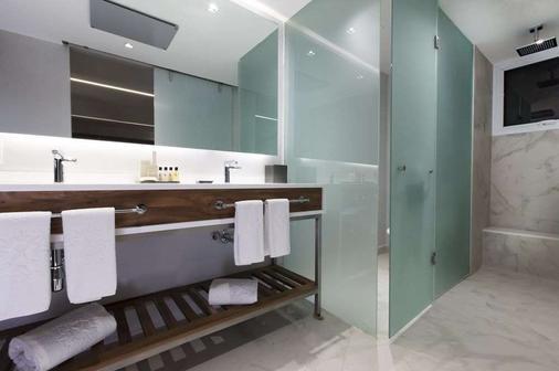 克斯塔尔因斯尔基恩特斯大套房酒店 - 墨西哥城 - 浴室