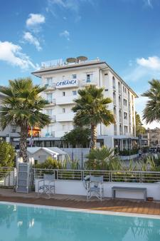 卡比安卡酒店 - 里乔内 - 建筑