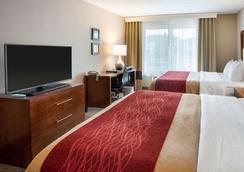 西部舒适酒店 - 德卢斯 - 睡房