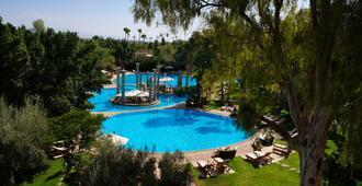 居薩阿迪馬拉喀什宮殿度假村 - 马拉喀什 - 游泳池