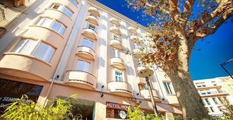 蒙蒂阿尔酒店 - 佩皮尼昂 - 建筑