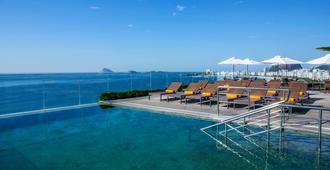 温莎乐玫酒店 - 里约热内卢 - 游泳池