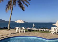 布里萨酒店 - 卡拉瓜塔图巴 - 游泳池