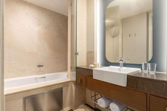 特克斯迪尔肯特华美达广场大酒店 - 伊斯坦布尔 - 浴室