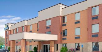 圣路易斯市中心戴斯酒店 - 圣路易斯 - 建筑