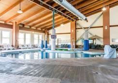 大喇叭度假酒店 - Billings - 游泳池