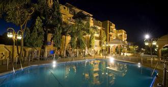 尼拉里德哈尼民族遺產飯店&度假村 - 焦特布尔 - 游泳池