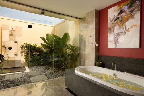 巴厘岛马哈吉利别墅 - 登巴萨 - 浴室