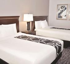 阿比林商场拉金塔套房酒店