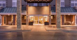 布鲁明顿美国购物中心丽怡酒店 - 布卢明顿