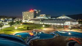 萨拉热窝山会议及温泉Spa酒店 - 萨拉热窝 - 游泳池