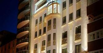 文希真特罗酒店 - 萨拉戈萨 - 建筑
