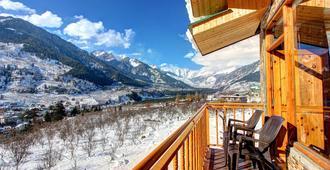雪城面山酒店 - 马纳里 - 阳台