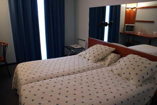 图卢兹机场因特尔酒店 - 图卢兹 - 睡房